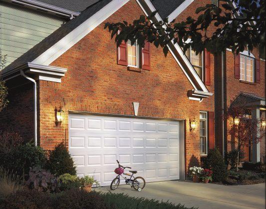 Plus de 120 modèles de portes et près de 50000 pi2 pour toujours mieux vous servir.